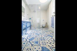 שדרוג של מקלחת . לב אדריכלות