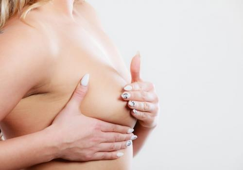 כיצד מתגברים על קשיי הנקה בשל פטמות שקועות?