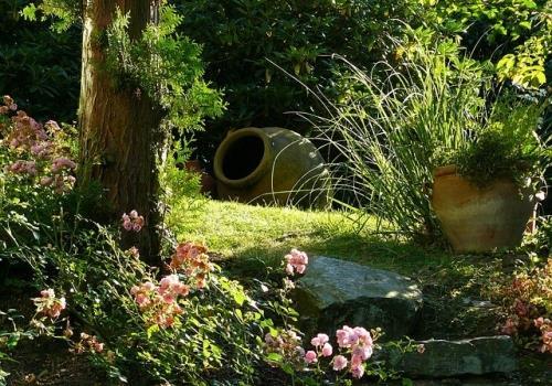 10  טיפים לעיצוב גינות בשילוב אבנים טבעיות