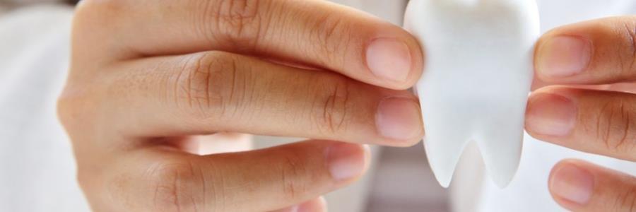 5 סיבות לעשות השתלת שיניים בזאלית