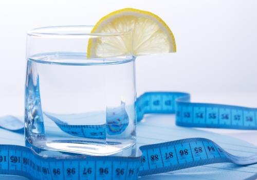 מים מרזים – טיפים לשתיית מים נכונה בדיאטה