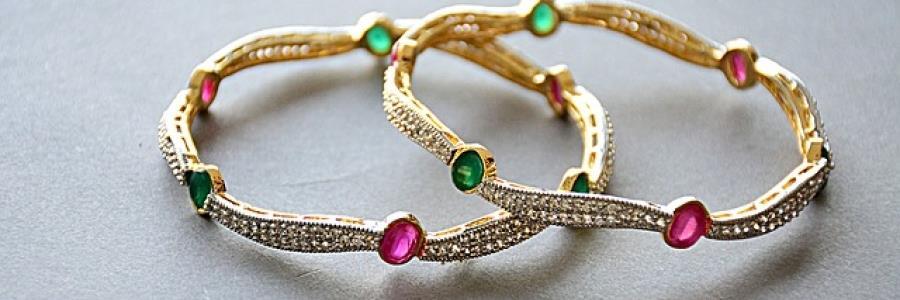 כיצד למצוא תכשיטים מעוצבים ייחודיים ויפים במחיר סביר